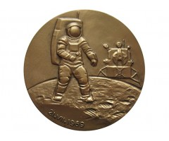 Памятная медаль Первый человек на Луне