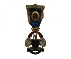 Знак королевского масонского института для мальчиков 1964 год