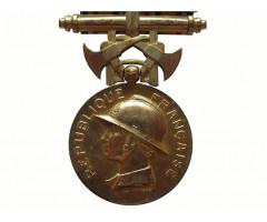 Франция почетная медаль пожарных