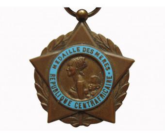 Центральноафрика́нская Респу́блика Медаль Матери 3 степени