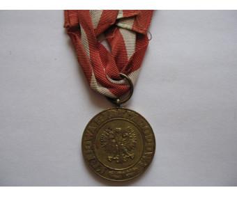 Польша медаль Победы и Свободы