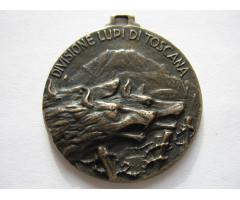 """Италия медаль 7-й пехотной дивизии """"Lupi di Toscana"""". копия ?"""