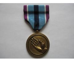 США медаль за гуманитарную службу