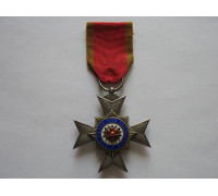 Орден Княжеского Дома Шаумбург-Липпе  4-й степени.